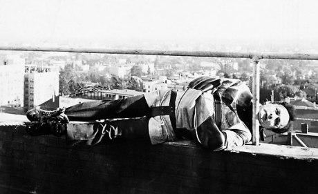 Houdini in Paris