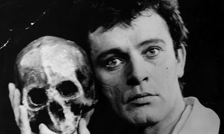 Richard-Burton-as-Hamlet-at-the-Old-Vic-1953