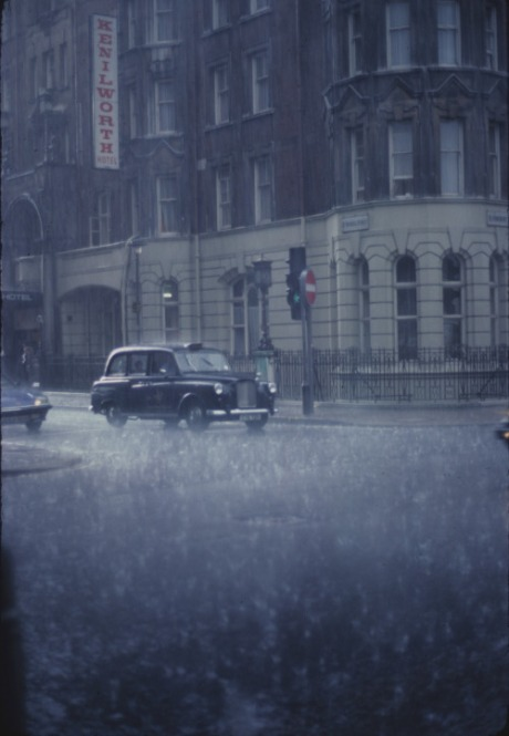 london-1982-by-raymond-cunningham