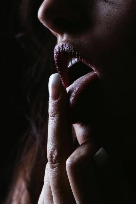 licking finger