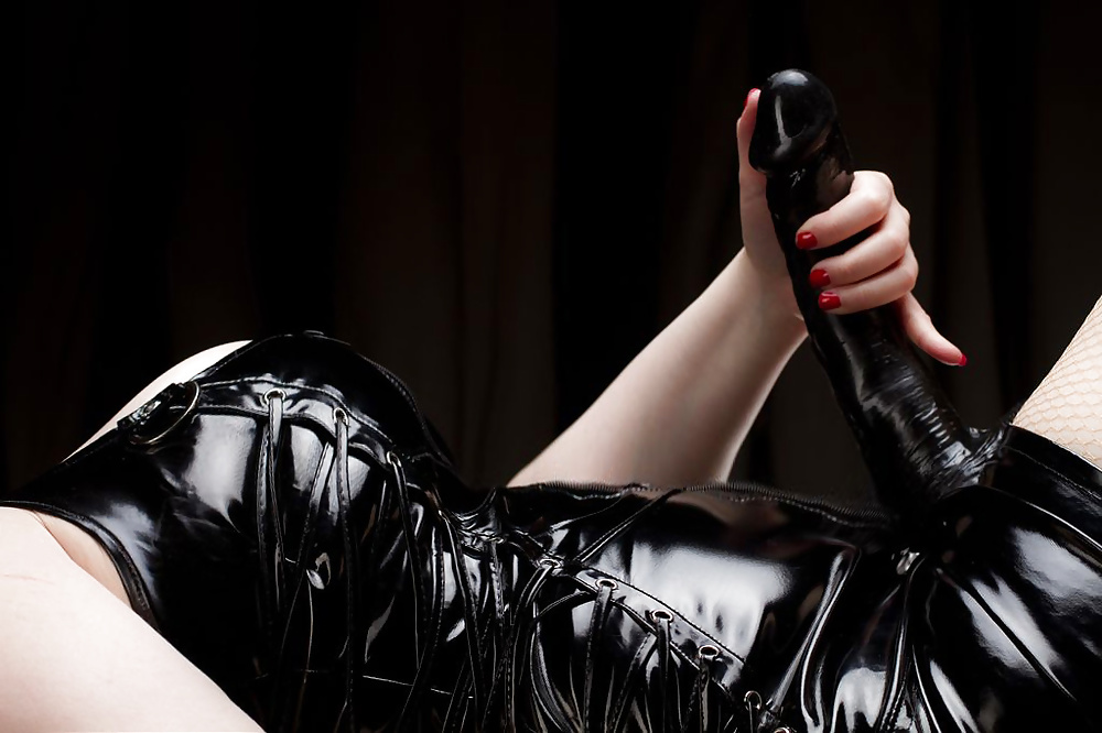 Femdom Porn Pics And Female Domination Classic Porn Images